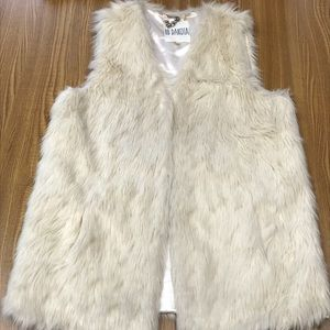 BB DAKOTA Faux Fur Vest, Size Medium